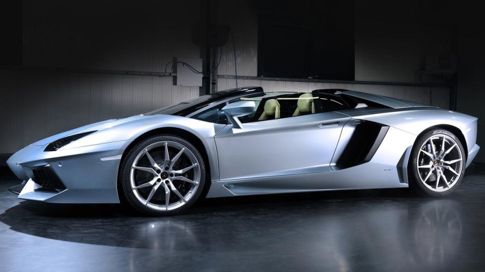 Lamborghini Aventador Roadster lateral
