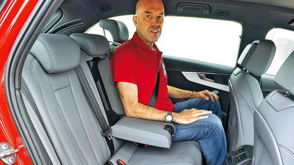 Audi A4 Avant interior traseras