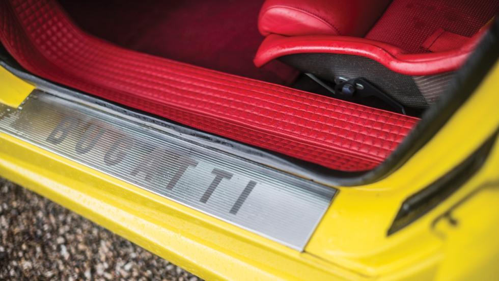 Bugatti EB110 SS paso rueda
