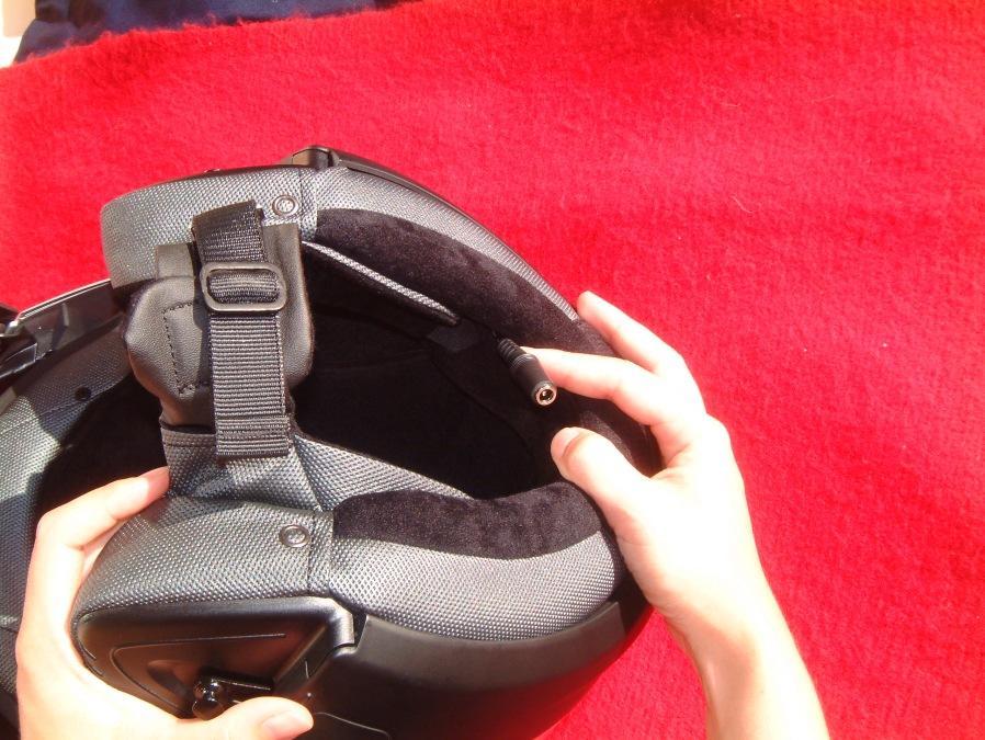 Cascos y  Bluetooth . Algunos cascos tienen preinstalación.