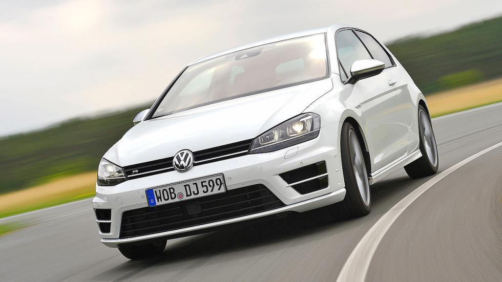Volkswagen Golf R morro curva