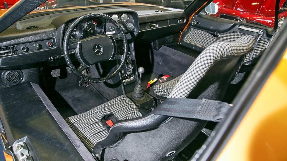 Mercedes C 111 interior detalle