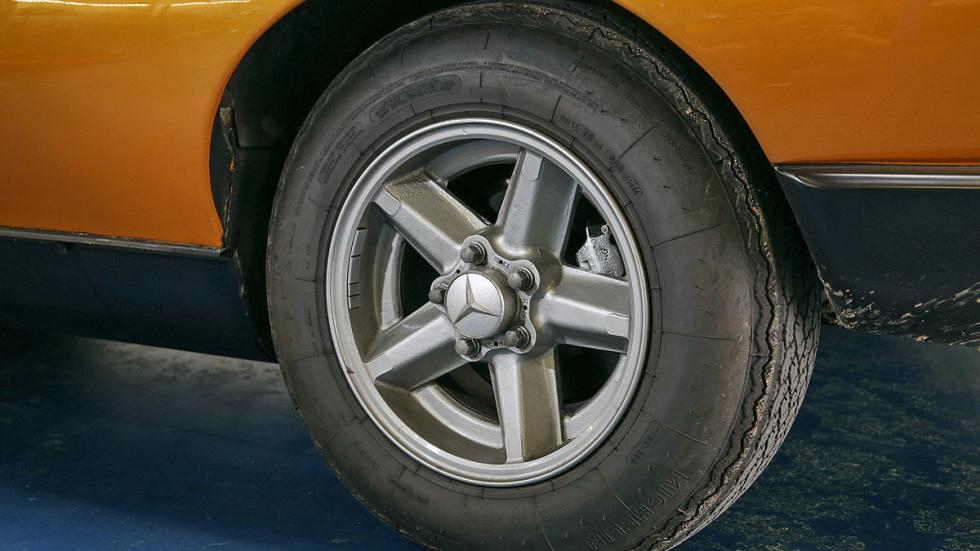 Mercedes C 111 rueda