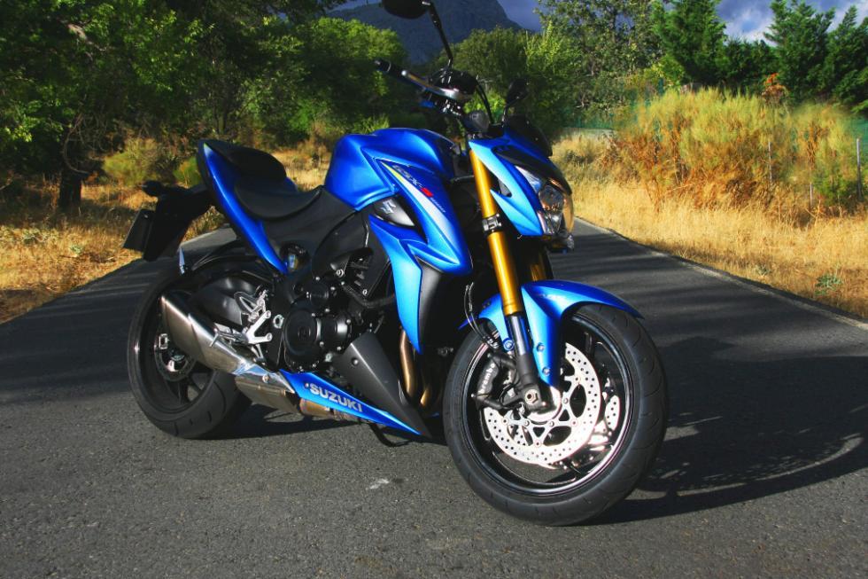 Suzuki GSX-S1000.