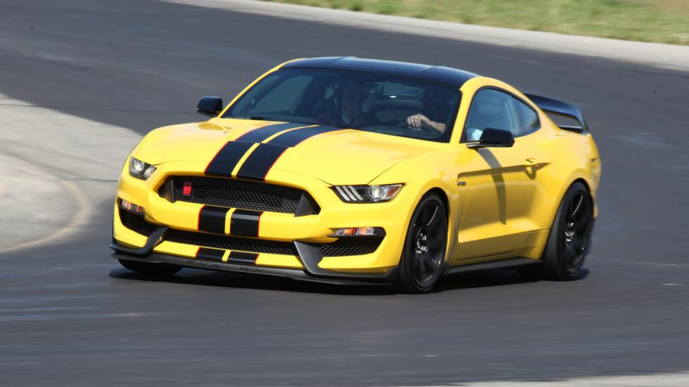coches-dominar-carretera-circuito-ford-mustang-shelby-gt350r
