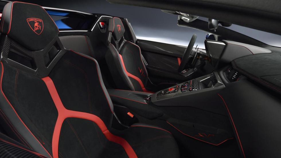 Lamborghini Aventador SV Roadster interior