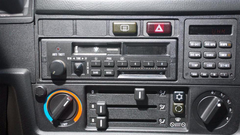 BMW M3 E30 radio