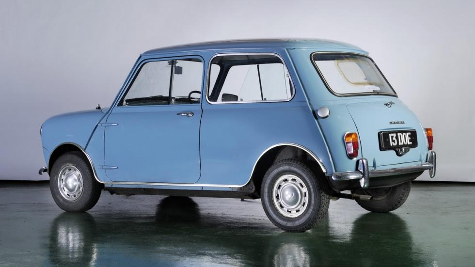 coches-alegran-día-Mini-clásico-zaga