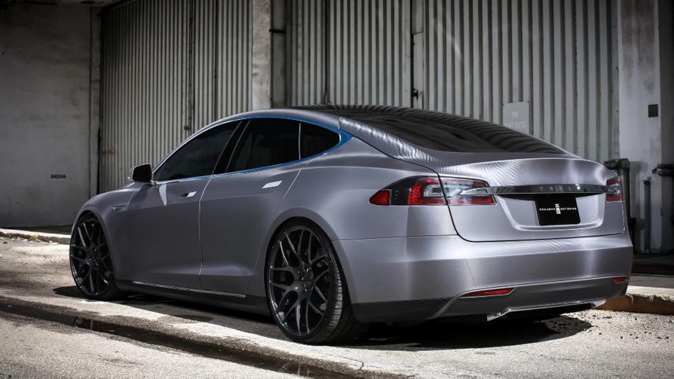 Tesla Model S preparado Revozport trasera
