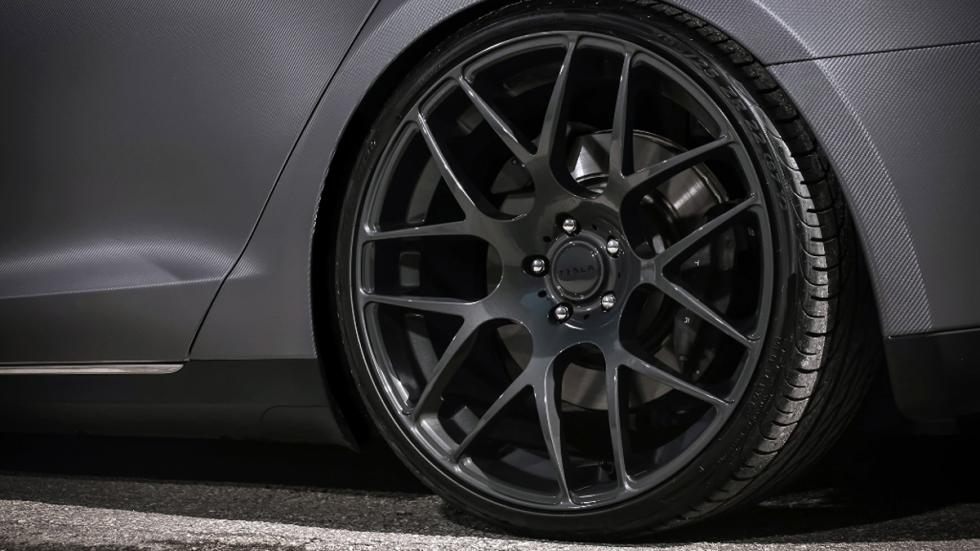 Tesla Model S preparado Revozport llantas