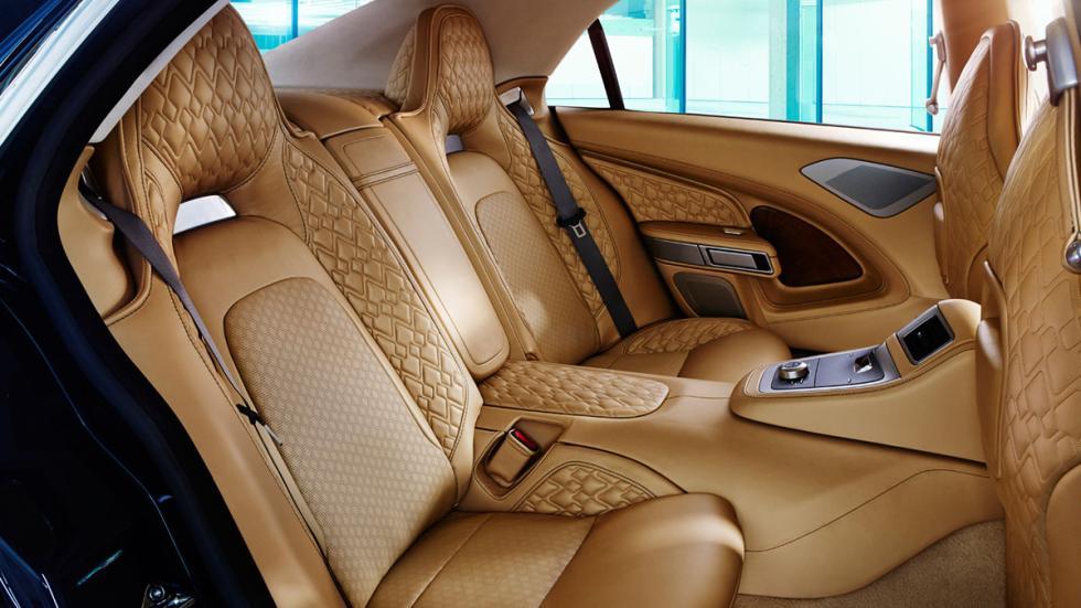 Aston Martin Lagonda plazas traseras