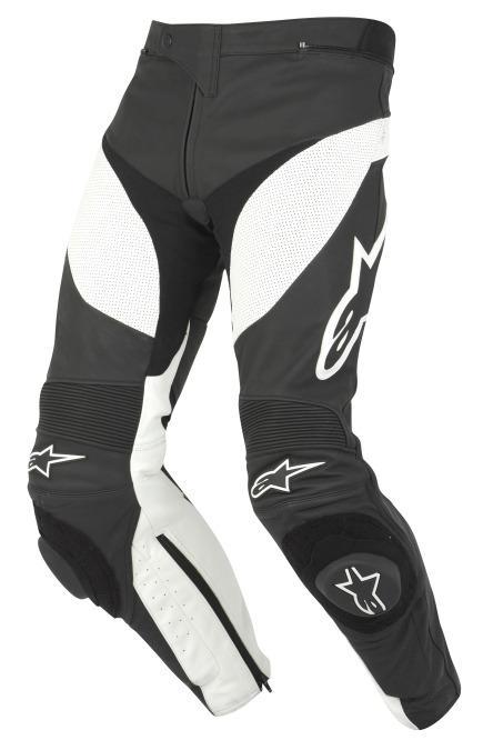 Pantalones de moto, de cuero sueltos o se pueden unir a la chaqueta.