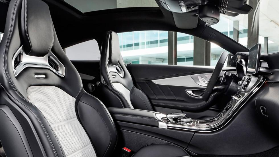 Mercedes C 63 AMG Coupé 2016 interior