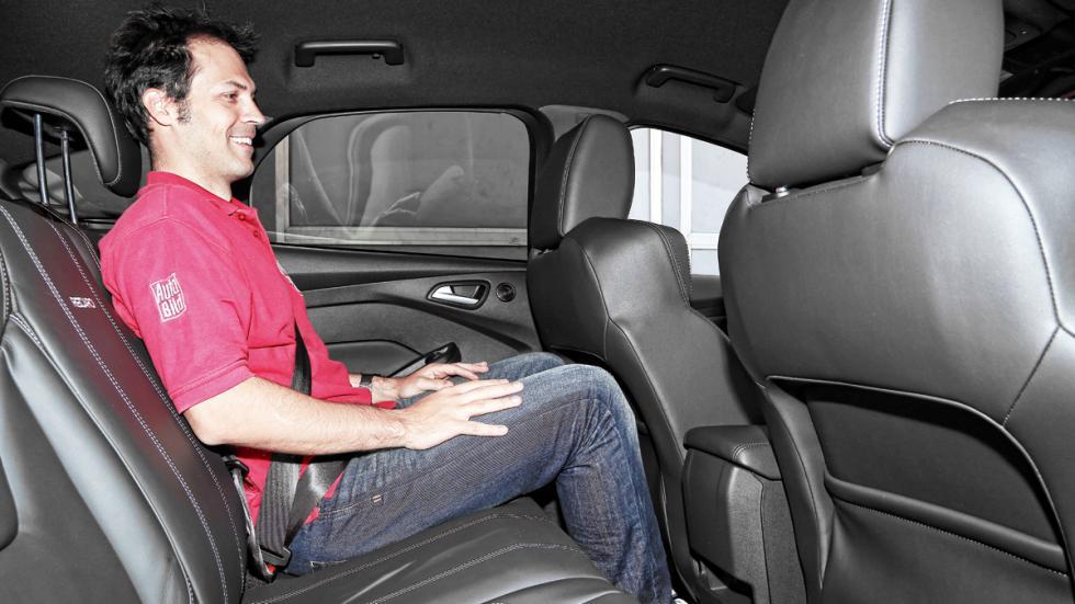 Ford Focus ST 2014 asientos traseros