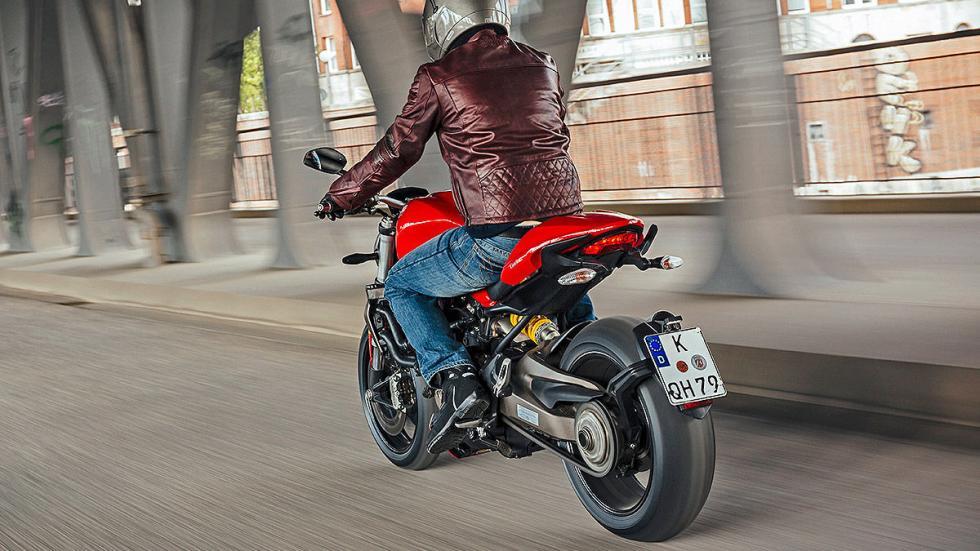 Ducati Monster zaga