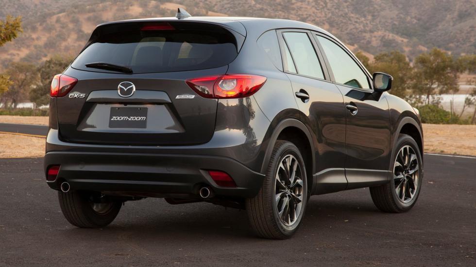 rivales-más-duros-hyundai-tucson-2015-Mazda-CX5-zaga