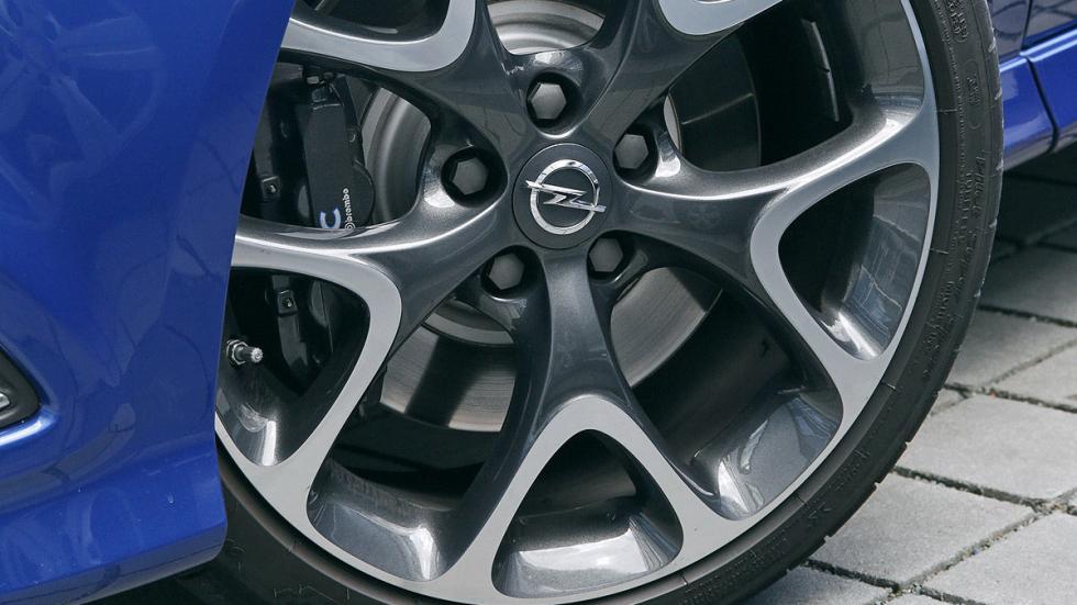 Opel Corsa OPC  llanta