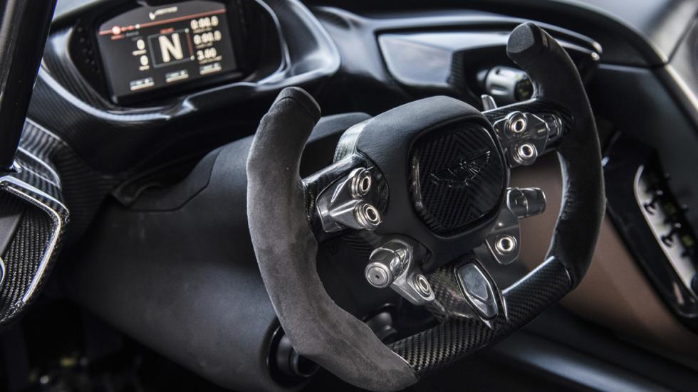 curiosidades- Aston-Martin-Vulcan-conducir