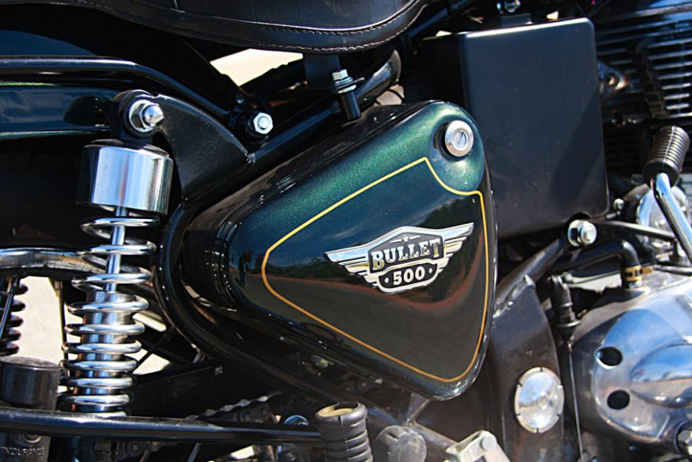 Royal Enfield Bullet 500, con sus cajas laterales. Para llevar cosas...
