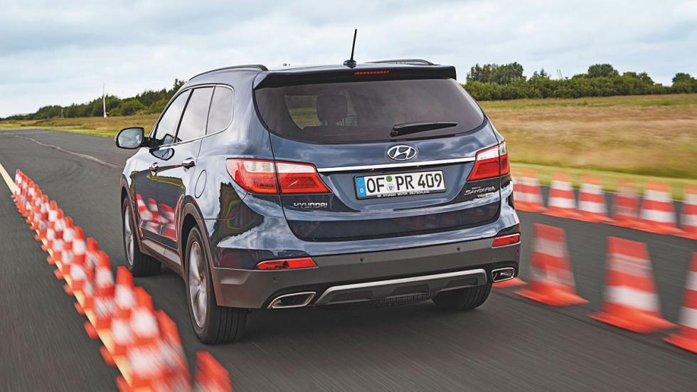 Hyundai Grand Santa Fe trasera