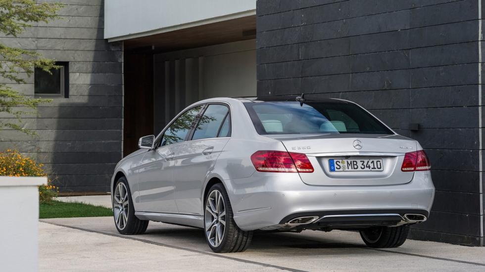 coches-mejores-sistemas-anticolisión-Mercedes-Clase-e-zaga