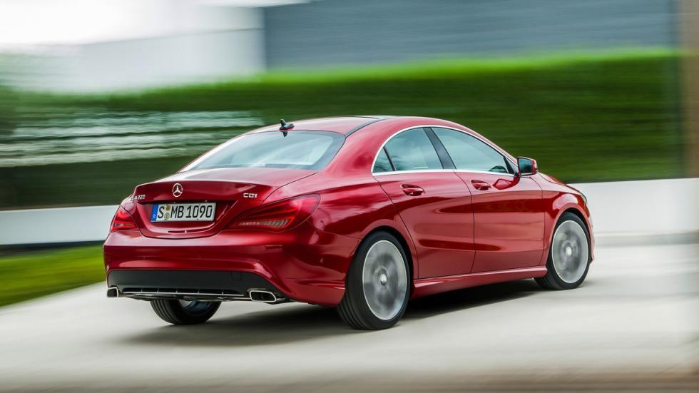 coches-mejores-sistemas-anticolisión-Mercedes-Clase-CLA-zaga
