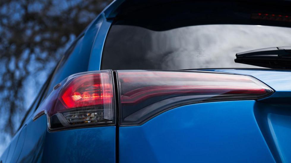 Toyota RAV4 Hybrid faros