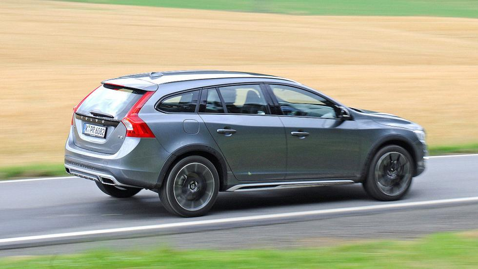 Test: Volvo V60 Cross Country barrido