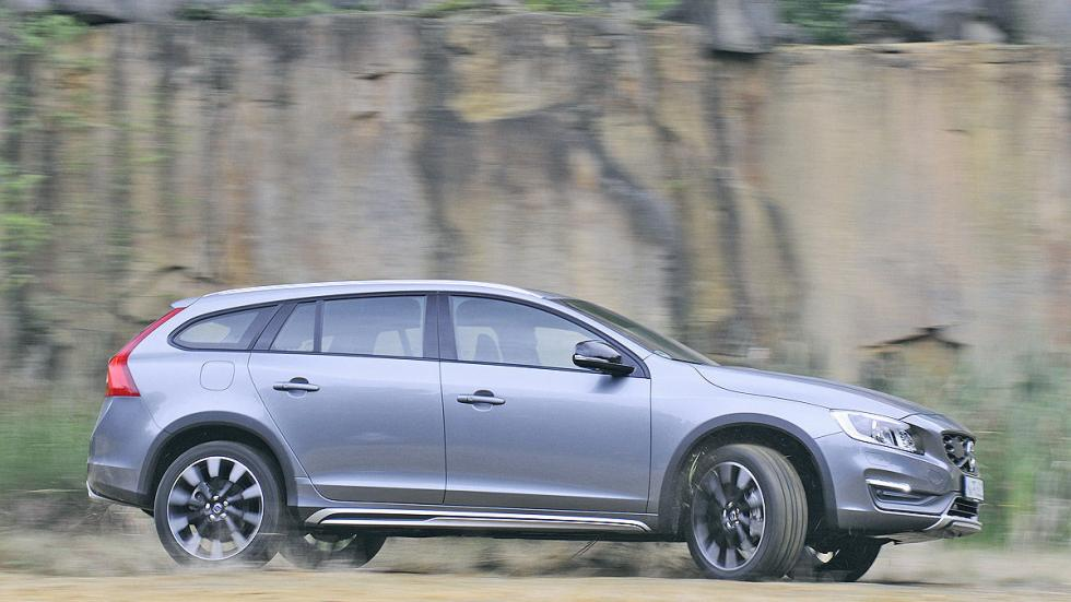 Test: Volvo V60 Cross Country lateral