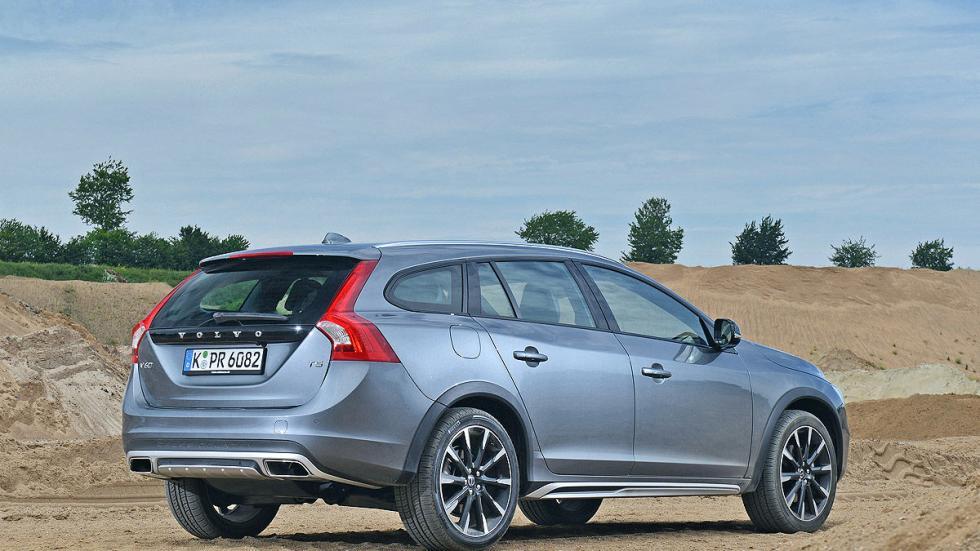 Test: Volvo V60 Cross Country zaga