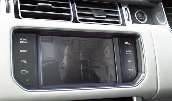 Sistema remolque invisible Land Rover Cargo Sense 1