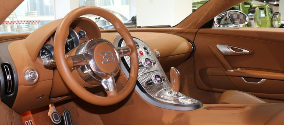 Bugatti Veyron cromado
