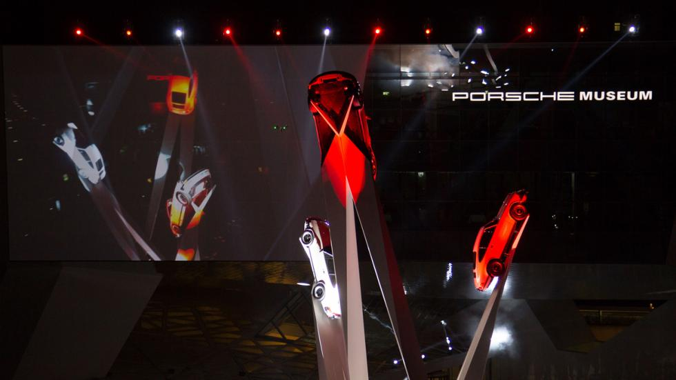 Escultura homenaje al Porsche 911
