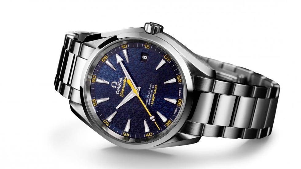 Aston Martin DB9 GT Bond Edition reloj