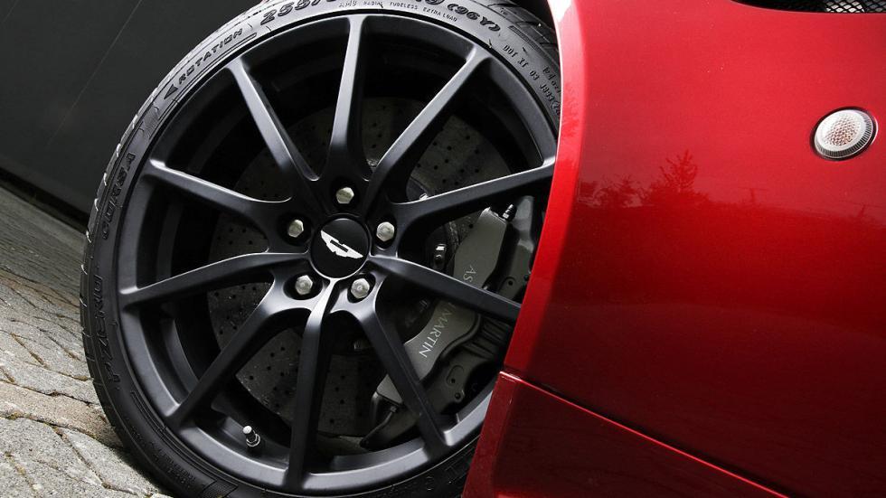 Prueba: Aston Martin V12 Vantage S Roadster detalle llanta