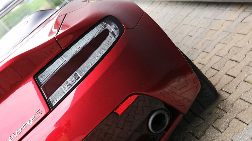 Prueba: Aston Martin V12 Vantage S Roadster detalle zaga
