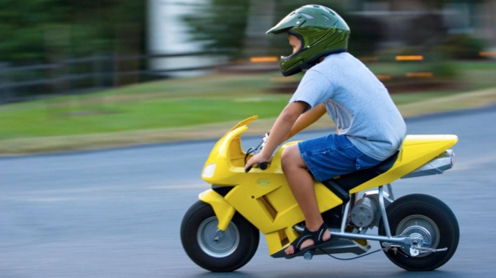 llevar-niños-cole-minimoto