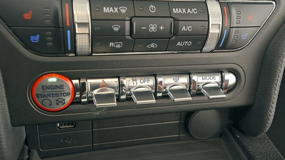 Ford Mustang detalle
