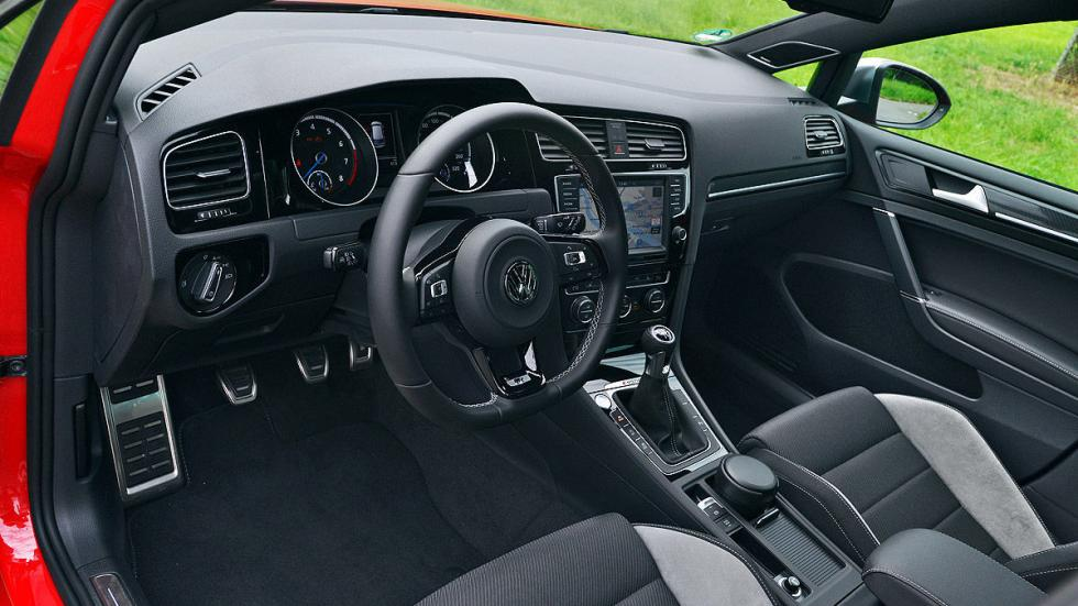 Volkswagen Golf R interior