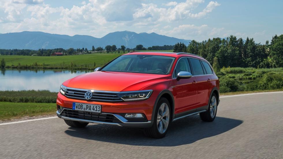 Frontal Volkswagen Passat Alltrack 2015