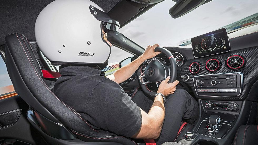 Prueba extrema: Mercedes-AMG A 45 4MATIC  detalle interior
