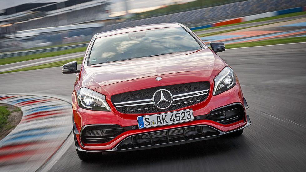 Prueba extrema: Mercedes-AMG A 45 4MATIC  detalle parrilla