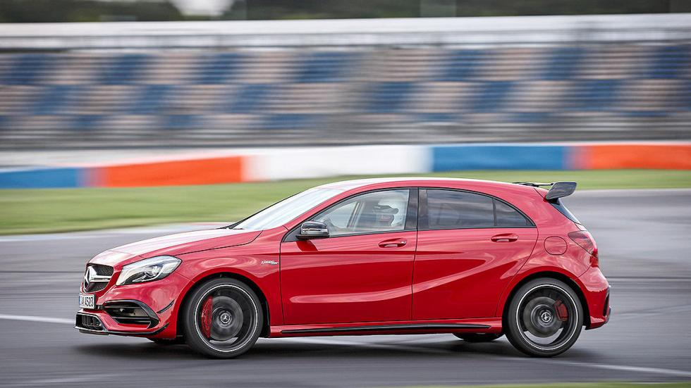 Prueba extrema: Mercedes-AMG A 45 4MATIC  detalle lateral
