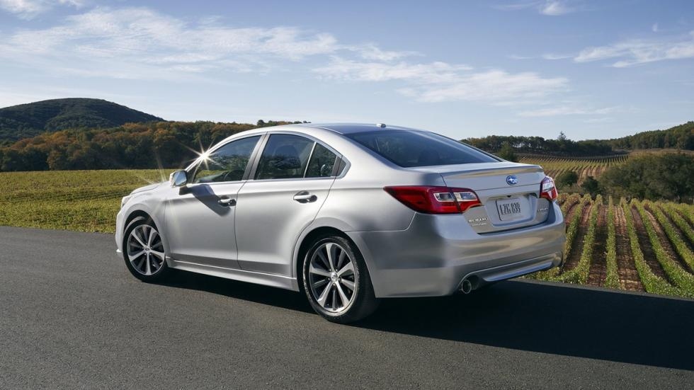 mejores-coches-según-consumer-reports-subaru-legacy-zaga