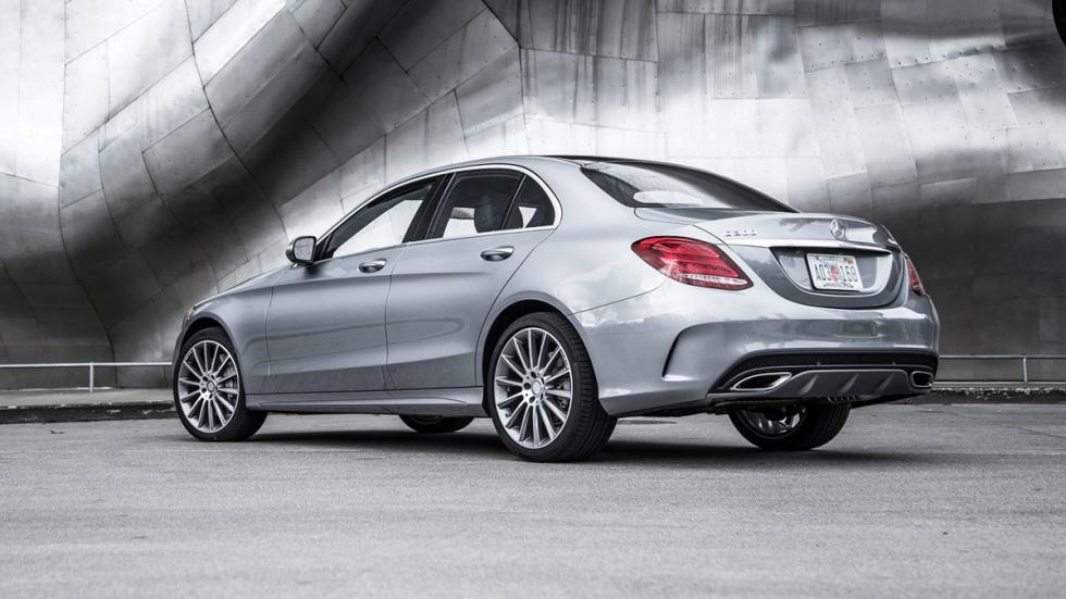 mejores-coches-según-consumer-reports-mercedes-clase-c-zaga