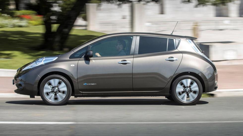 Nissan Leaf 2016 perfil
