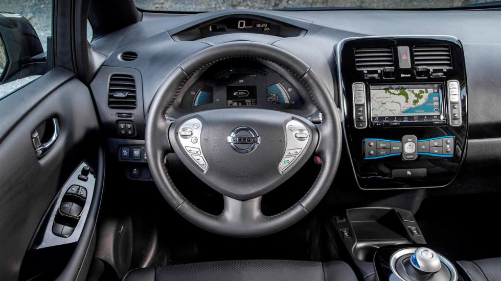 Nissan Leaf 2016 interior