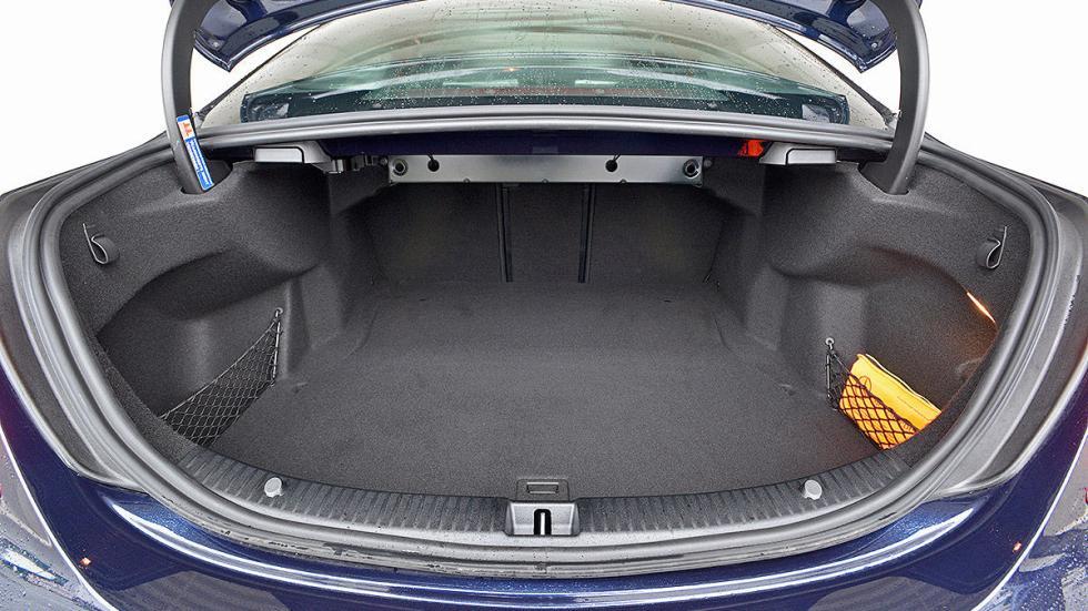 Prueba del bmw serie 3 320d for Interior mercedes clase c