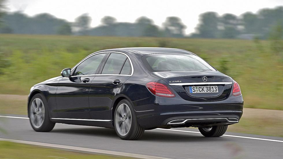 Mercedes Clase C zaga