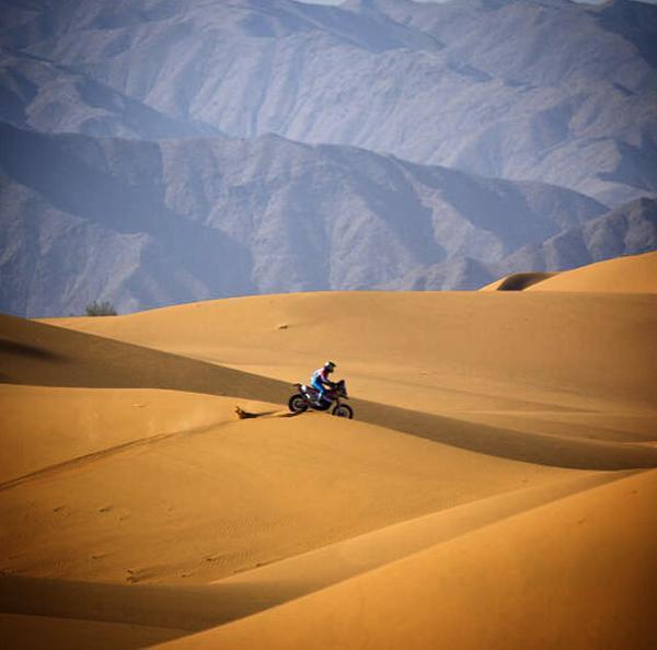 Armand-Monleón-Rally-de-la-Seda-desierto-Alashan